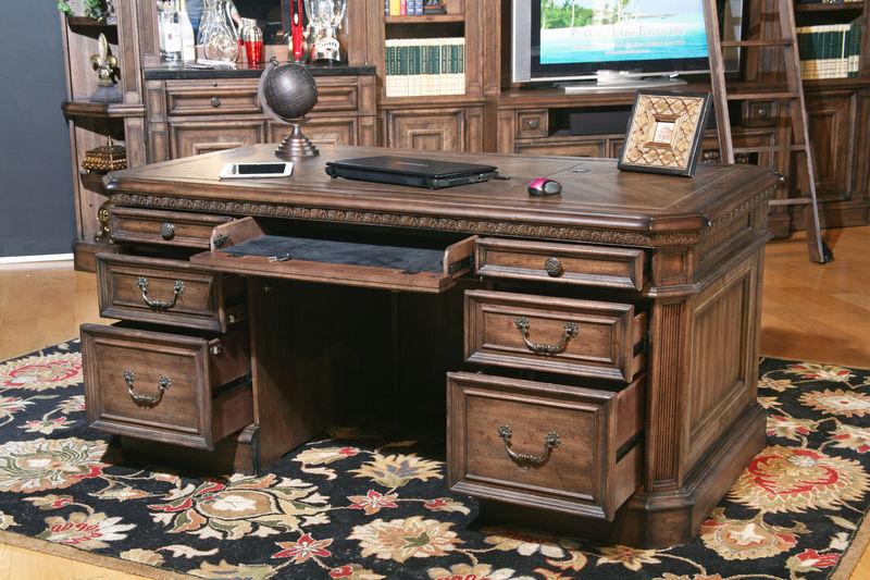 Aria Executive Desk