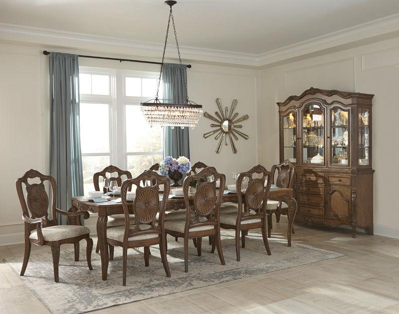 Moorewood Park Formal Dining Room Set