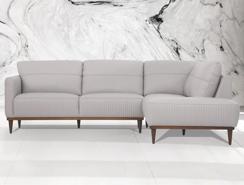 Tampa RSF Leather Sectional in Gray