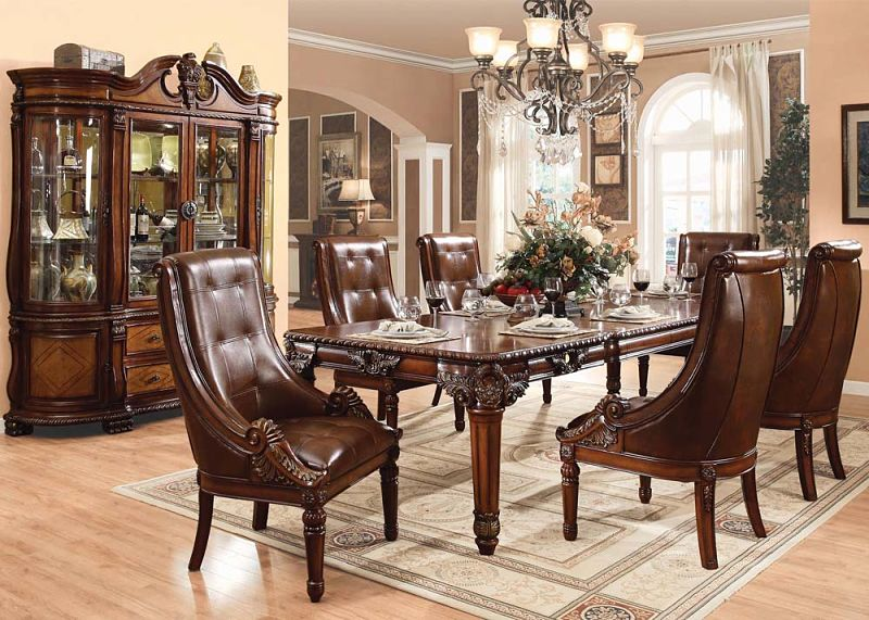 Winfred Formal Dining Room Set