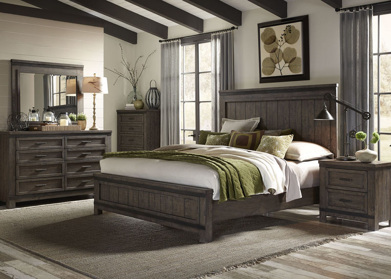 Thornwood Hills 4 Piece Queen Bedroom Set