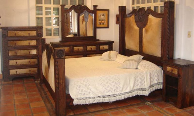 Von Furniture Prieta Grande Rustic Bedroom Set With Cowhide
