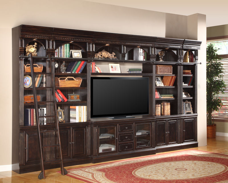 Venezia Entertainment Wall with 60 Inch Console