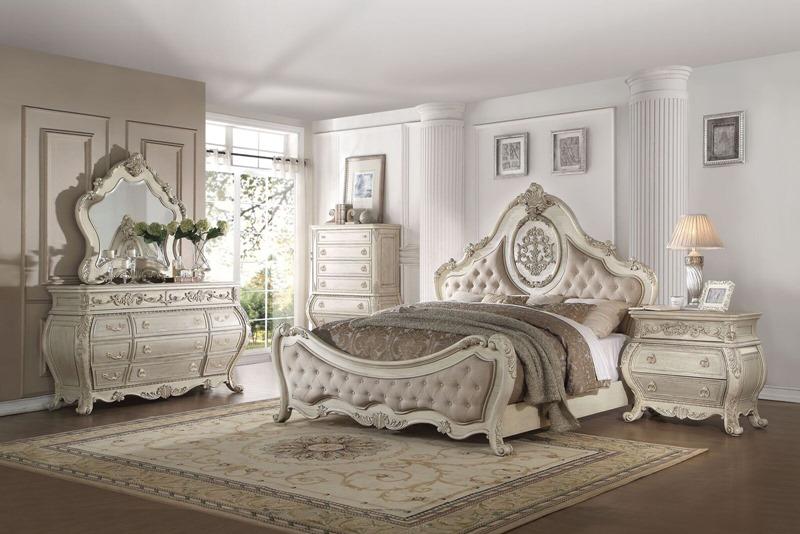 Ragenardus Bedroom Set in Antique White