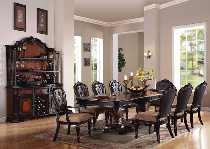 Le Havre Formal Dining Room Set