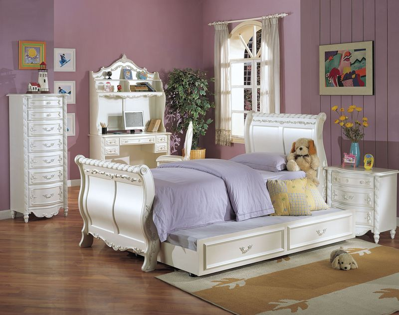 Pearl Youth Bedroom Set with Sleigh Bed