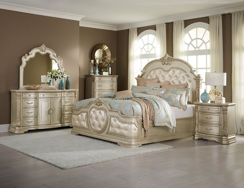 Antoinetta Bedroom Set in Champagne