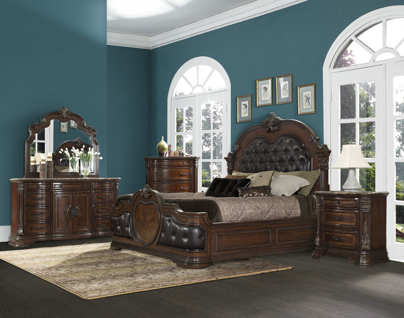 Antoinetta Bedroom Set