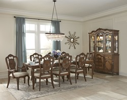 Moorewood Park Formal Dining Room Set