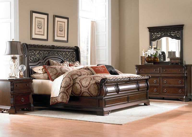 Arbor Place 4 Piece Queen Bedroom Set